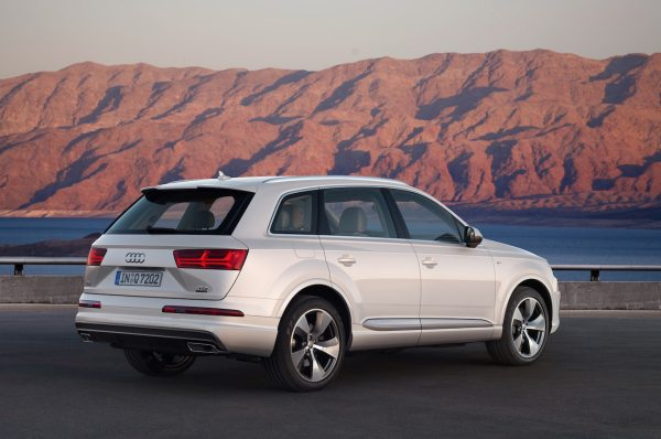 2017 Audi Q7 Reviews and Rating | Motor Trend