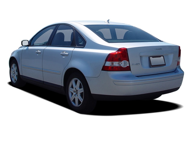 2005 Volvo S40 Reviews - Research S40 Prices & Specs ...