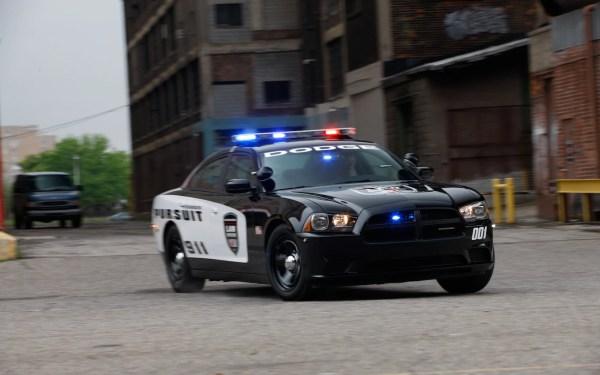 Chevrolet 9C3 Detective Caprice vs. Dodge Charger Pursuit ...
