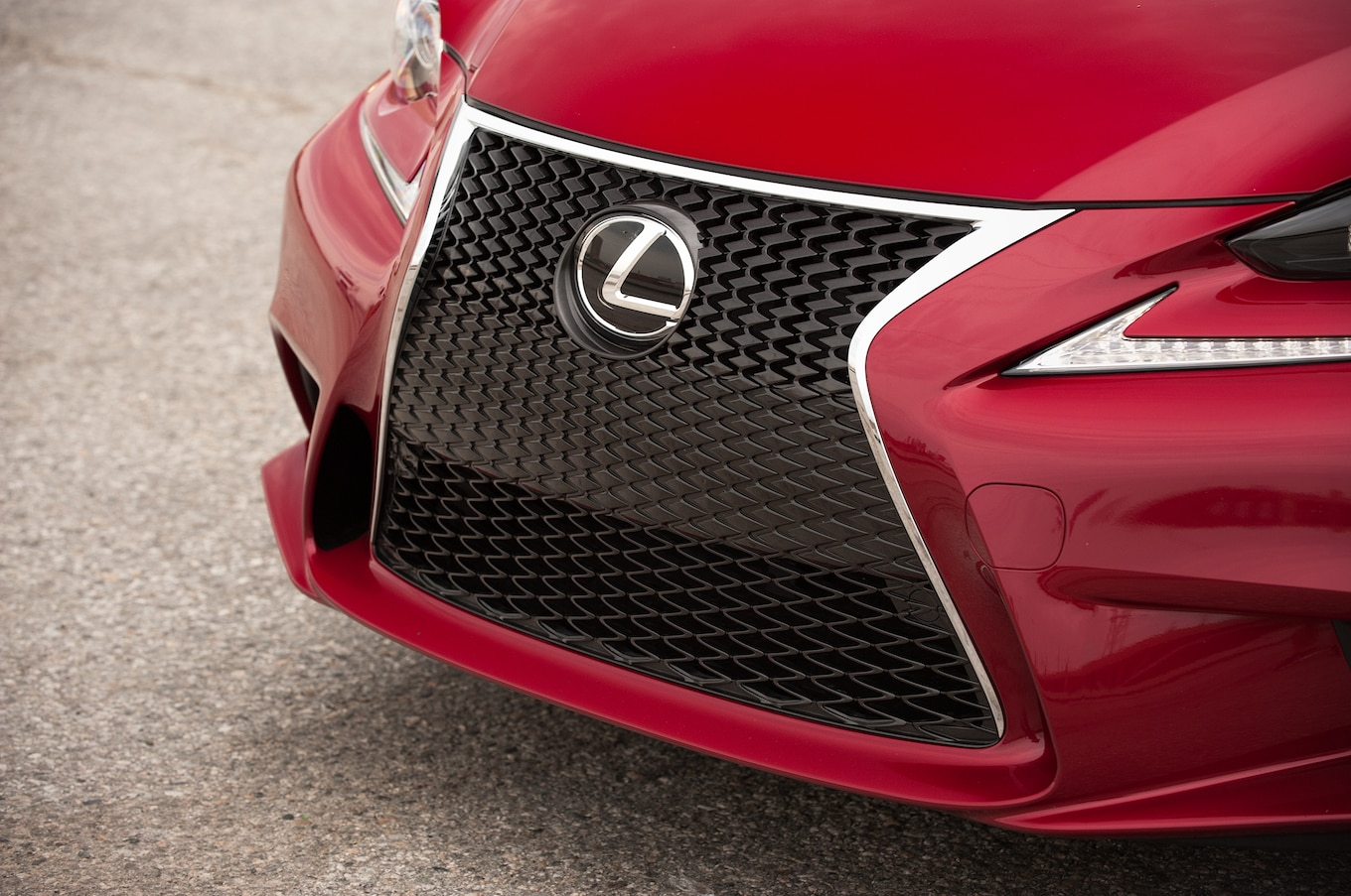 Finally found something nice to say about the Lexus spindle grille