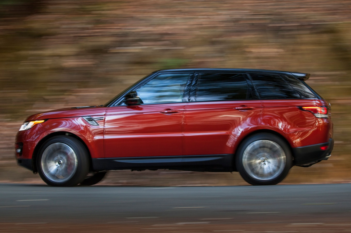 Refreshing or Revolting 2014 Range Rover Sport