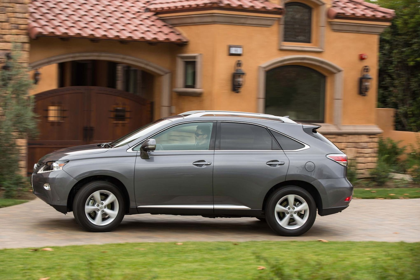 Refreshing or Revolting 2016 Lexus RX