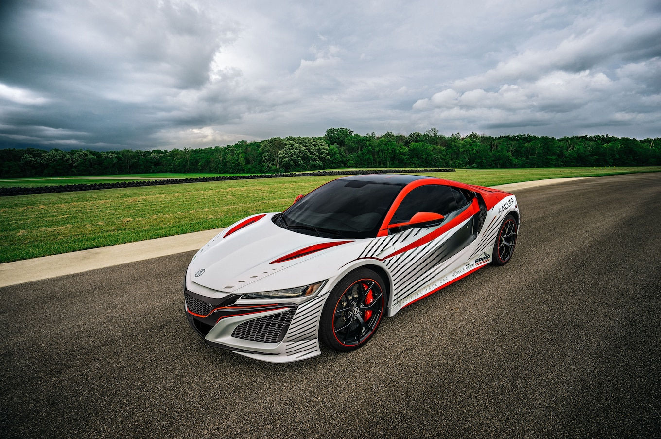 New Acura NSX to Pace Pikes Peak International Hill Climb