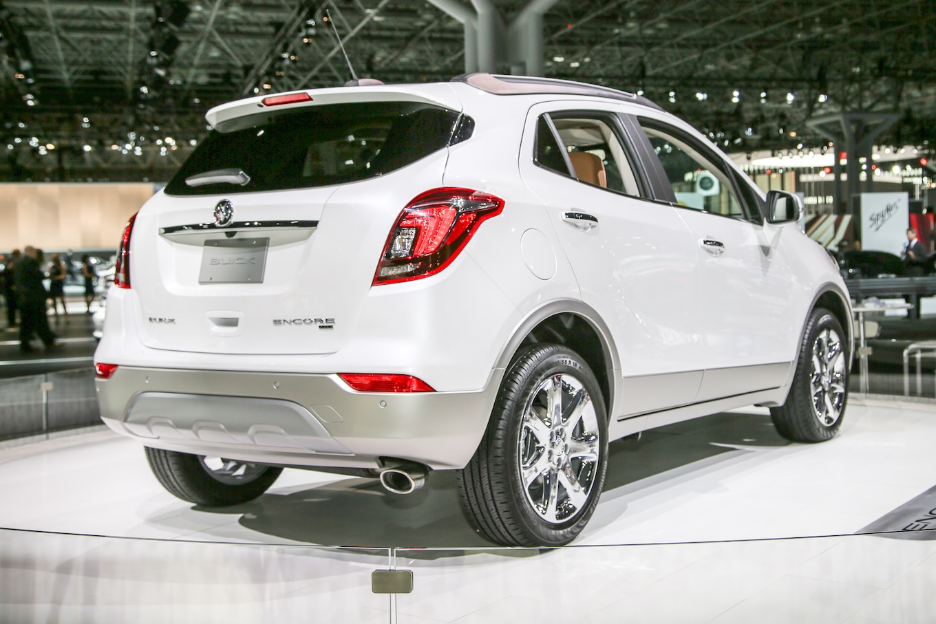 Refreshing Or Revolting 2017 Buick Encore Motor Trend