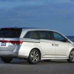2017 Honda Odyssey rear three quarter