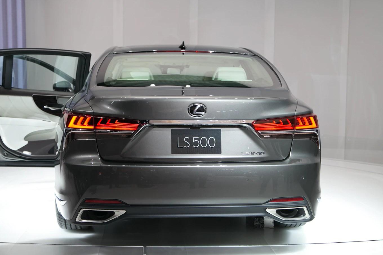 2018 Lexus LS 500 F Sport ing to New York Motor Trend
