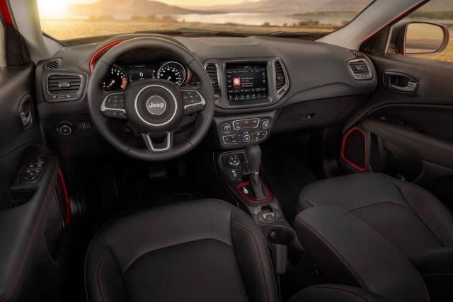 2017 Jeep Compass Trailhawk interior view