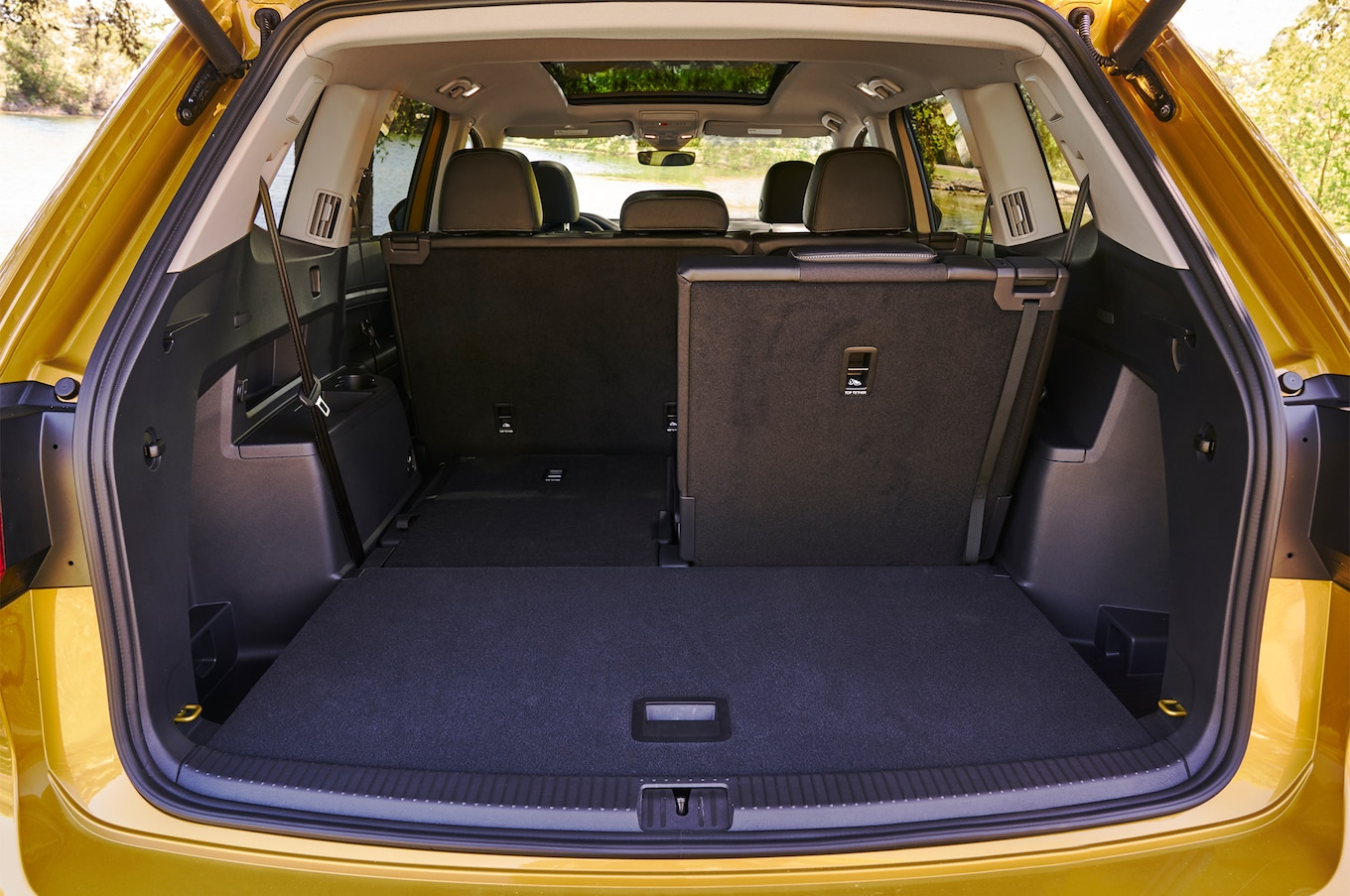 2018 Volkswagen Atlas cargo space 02