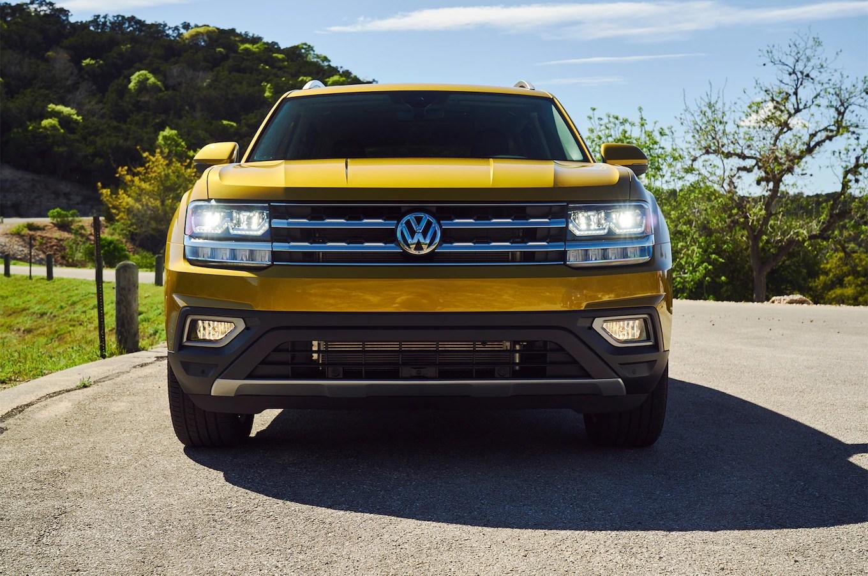 2018 Volkswagen Atlas front view