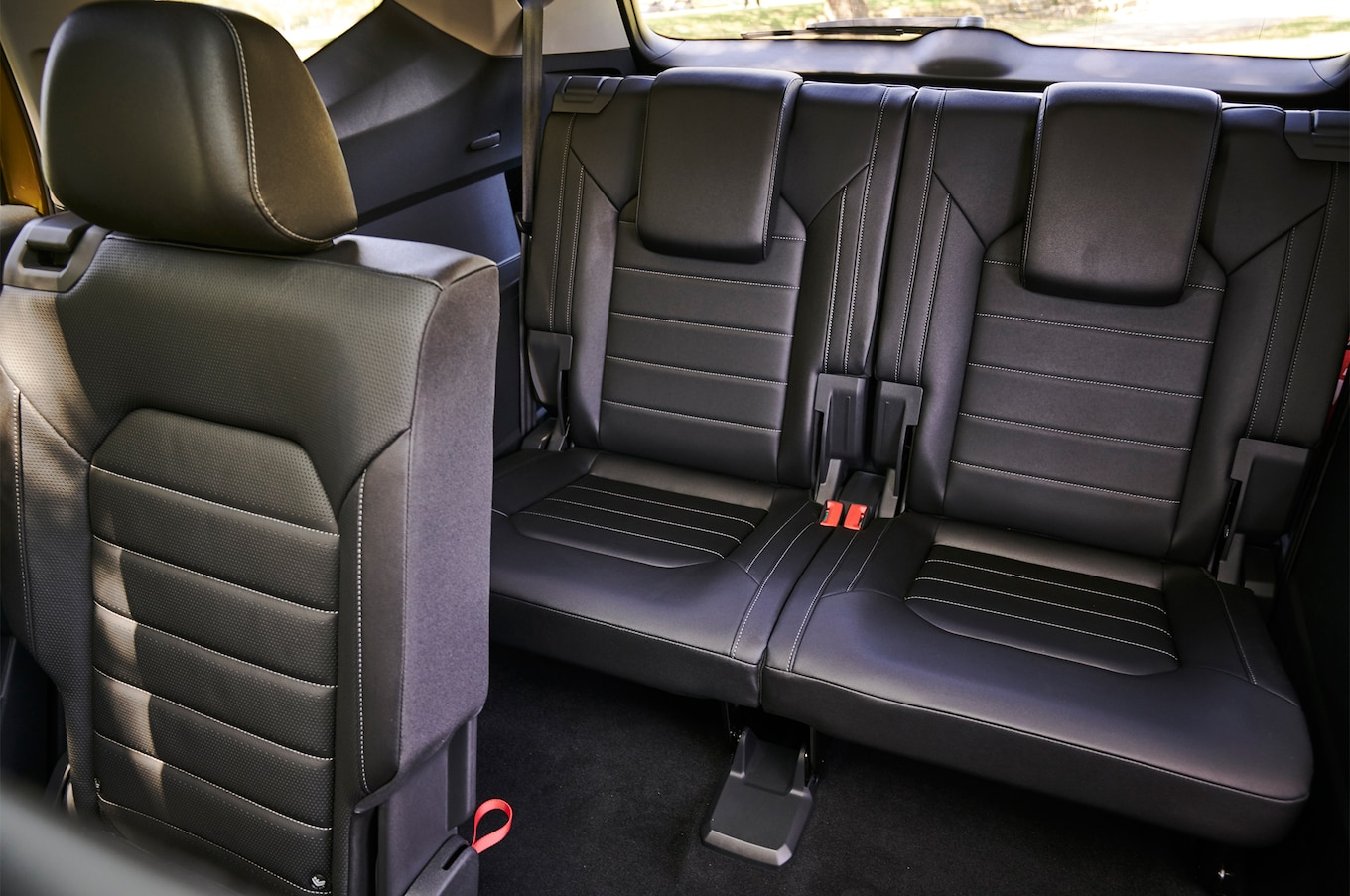 2018 Volkswagen Atlas third row seat 02