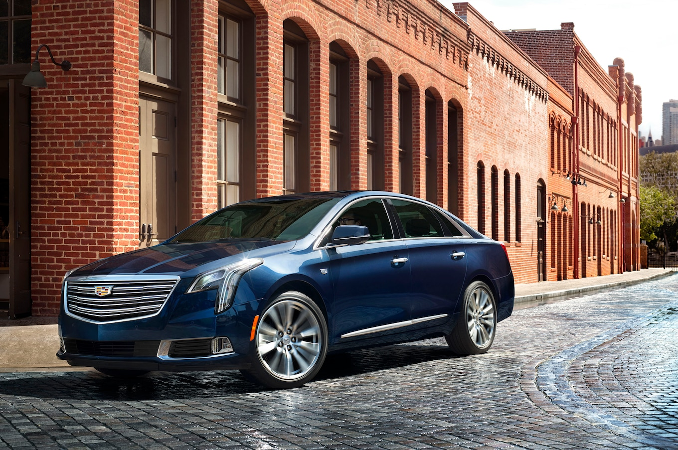 2018 Cadillac XTS Now Looks More Like the CT6 - Motor Trend