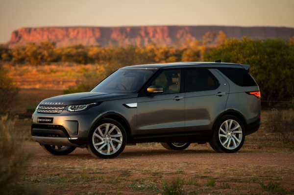 2018 Land Rover Discovery Gains New Tech, Priced from ...