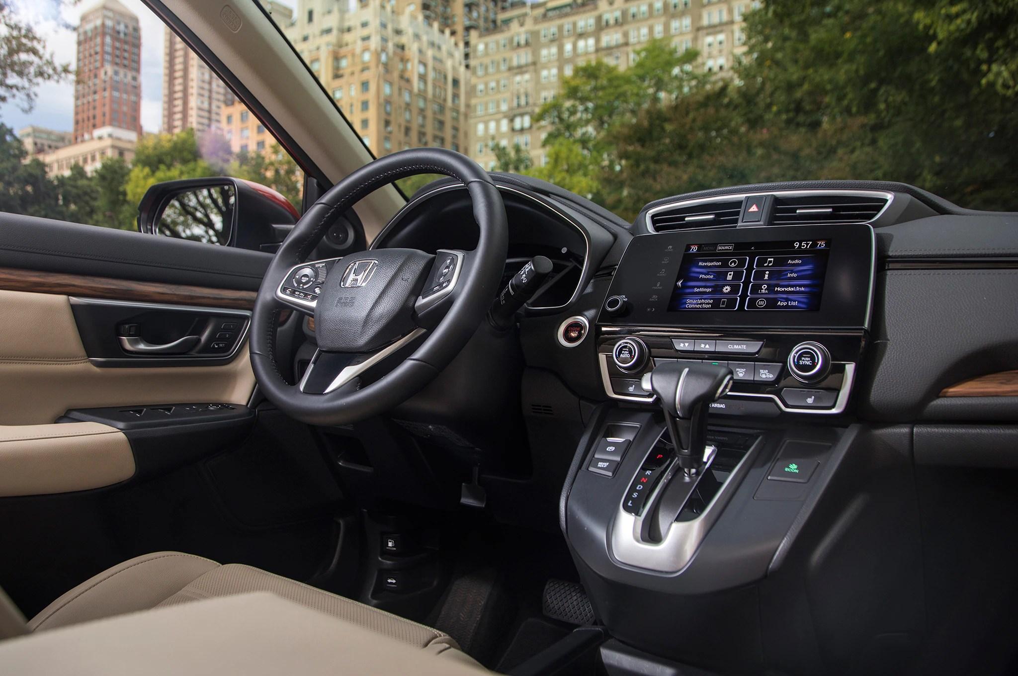 Honda Cr V Es La Suv Del Ano De Motor Trend