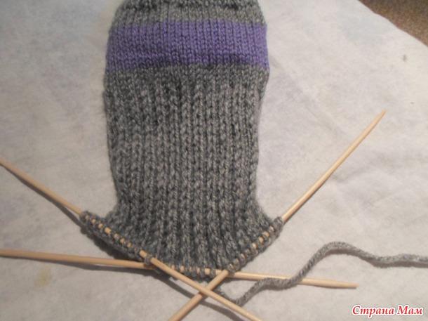 Носки для НАЧИНАЮЩИХ.  Мастер класс-как вязать обыкновенные тёплые носки с толстой пяткой.