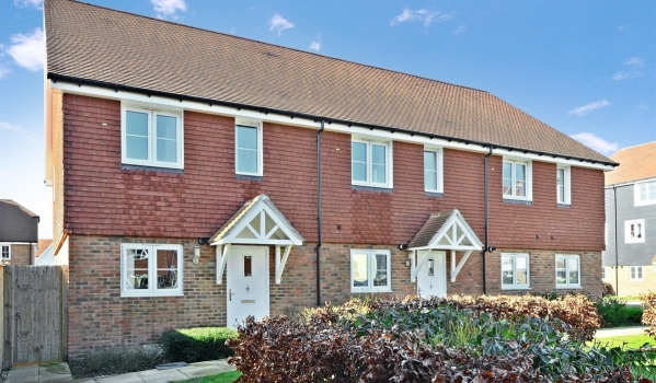 Semi-detached house to rent in Snodland