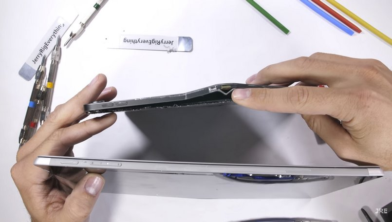 Microsoft Surface Pro 6 beats Apple iPad Pro 2018 in the durability test