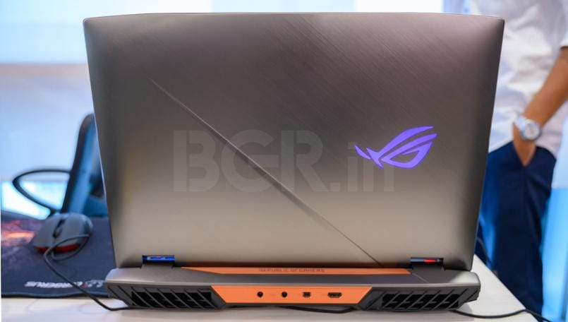 Asus ROG G703 First Impressions Top cover design