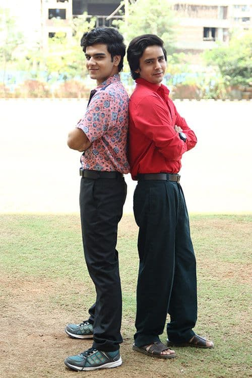 Munna-and-Pandit-in-College