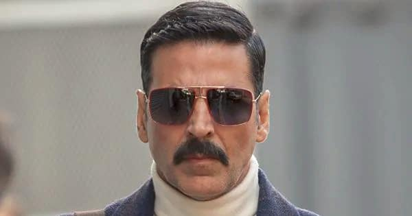When Akshay Kumar couldn't charge his phone because of a frog – view pic