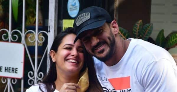 Mom-to-be Anita Hassanandani and husband Rohit Reddy spotted outside a top women's hospital in Khar — view pics
