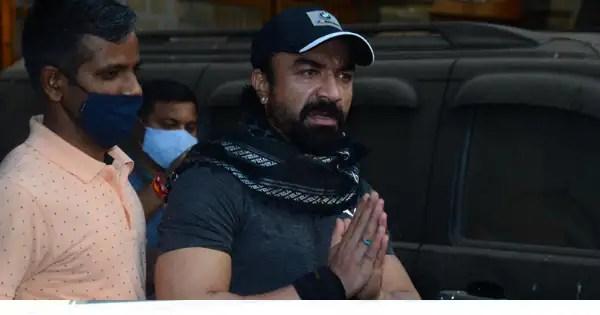 Ajaz Khan taken to hospital by NCB officials for drug test