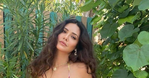 6 times Esha Gupta created quite a stir with her nude and bikini pics