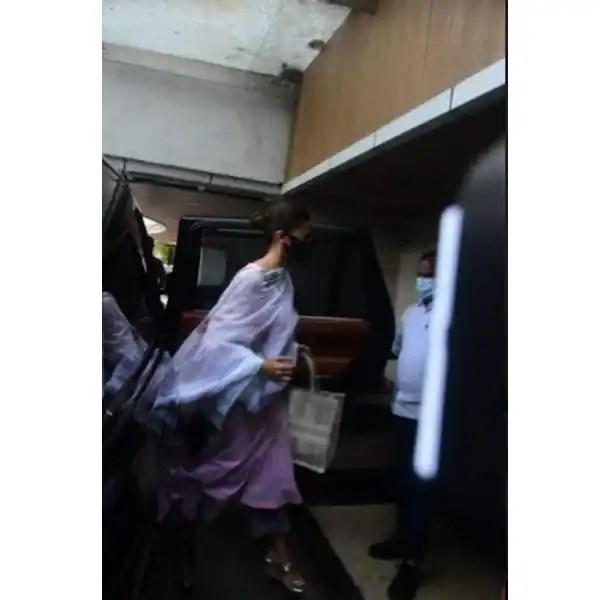ऋषि कपूर (Rishi kapoor) को याद कर रहे हैं फैंस