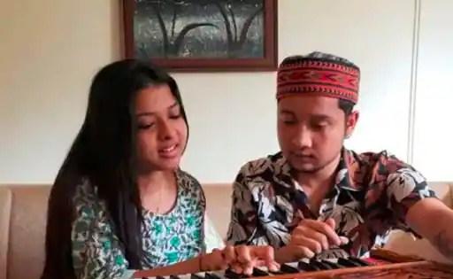Pawandeep Rajan turns harmonium teacher for Arunita Kanjilal; After 'Arrest Yuvika Chaudhary' trends after casteist remark