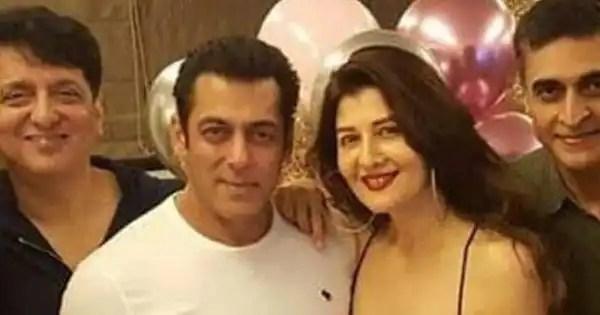Salman Khan's ex girlfriend Sangeeta Bijlani grabs eyeballs as she addresses Salman's mother Salma Khan as 'Mom'