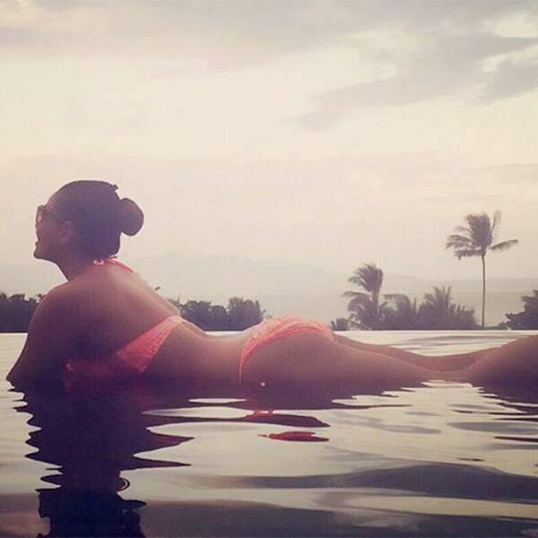Bipasha Basu enjoys the water and slays with her sexy curves in that bikini