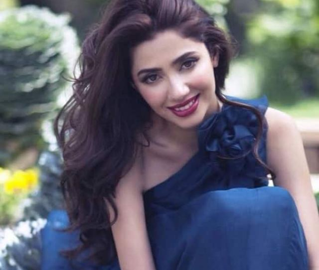 Mahira Khan Looks Absolutely Gorgeous In This Picture