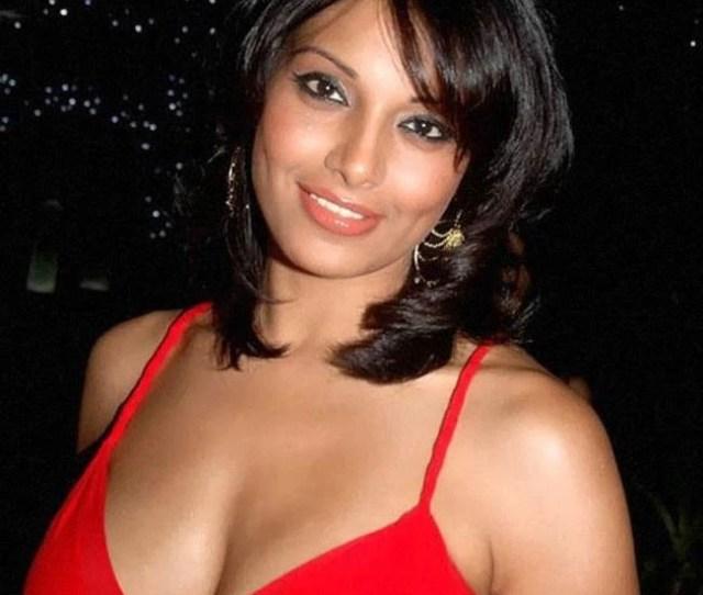 Bipasha Basu Has The Best Toned Body In Bollywwod
