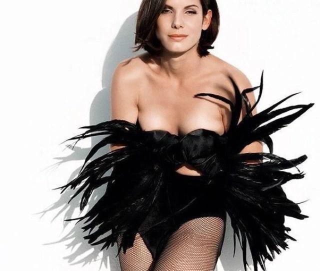 Sandra Bullock Poses For A Sexy Picture Sandra Bullock Hot And Sexy Pictures Celebs Photo Gallery India Com Photogallery
