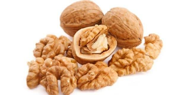13 reasons to eat walnuts every day! | TheHealthSite.com