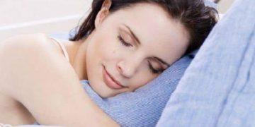 Look radiant by following our overnight beauty tips | TheHealthSite.com