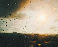 雨の日 窓 開ける 湿度