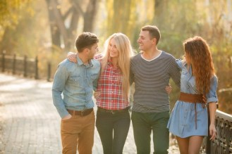 Foto Quattro amici, immagini Quattro amici da scaricare | Foto stock - Depositphotos