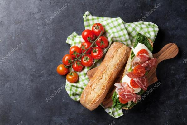 Чиабатта бутерброд с салат Ромейн — Стоковое фото ...