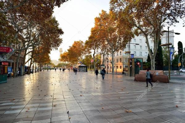 Фото: барселона улицы. Улица Барселоны, Испания – Стоковое ...