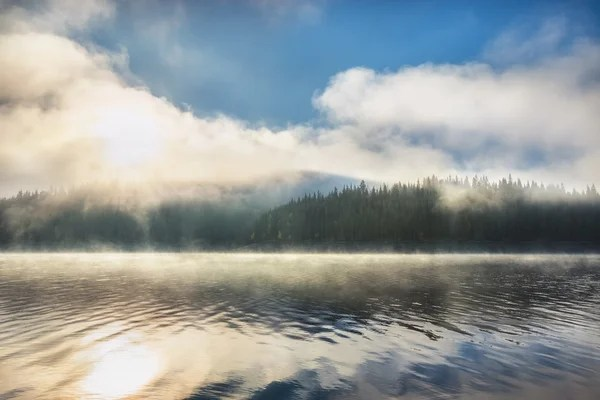 Ранковий Туман Озері Sunrise Постріл — Стокове фото ...
