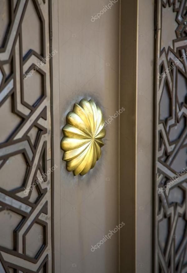 Марокканские дверь с орнаментом — Стоковое фото © boggy22 ...