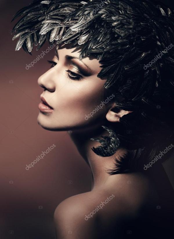 Брюнетка женщина в шляпе — Стоковое фото © alexannabuts ...