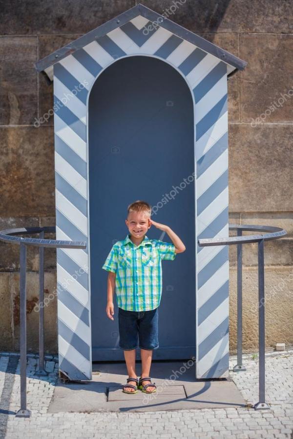 Милый мальчик в Праге — Стоковое фото © mac_sim #93873158