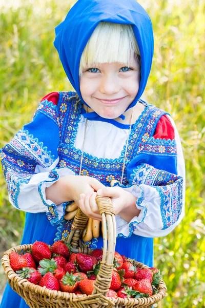 ᐈ Русская девушка в национальном костюме: фото и картинки ...