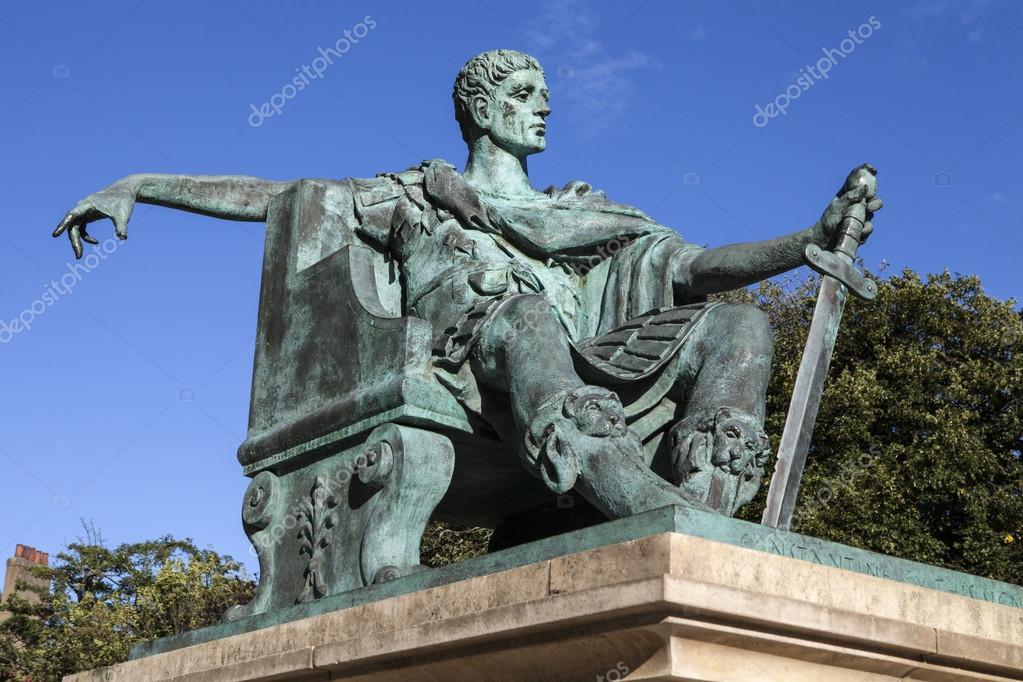 君士坦丁大帝雕像在紐約 — 圖庫照片©chrisdorney#83429488