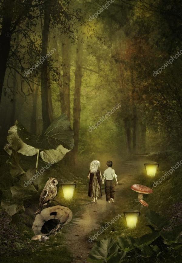Маленькие дети идут по тропинке — Стоковое фото ...