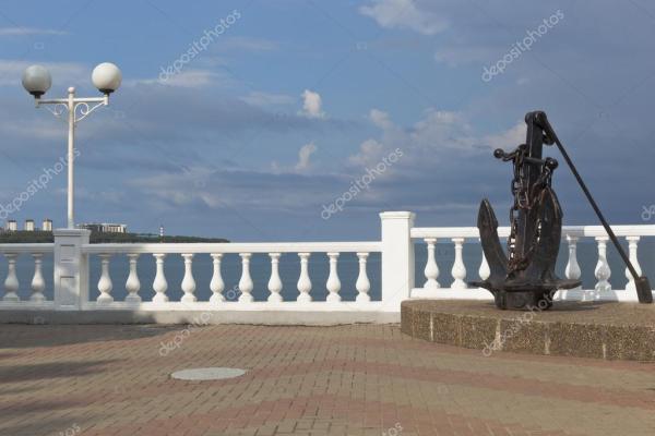 Якорь на набережной курорта Геленджик, Краснодарский край ...