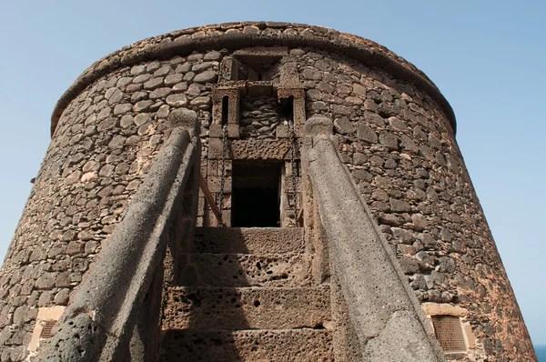 Круглі вежі в Monasterboice — Стокове фото © Eireann #3897251