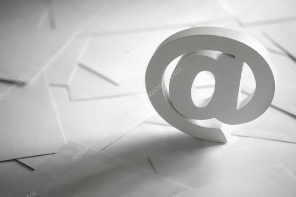 На деловых писем электронной почты символ — Стоковое фото ...