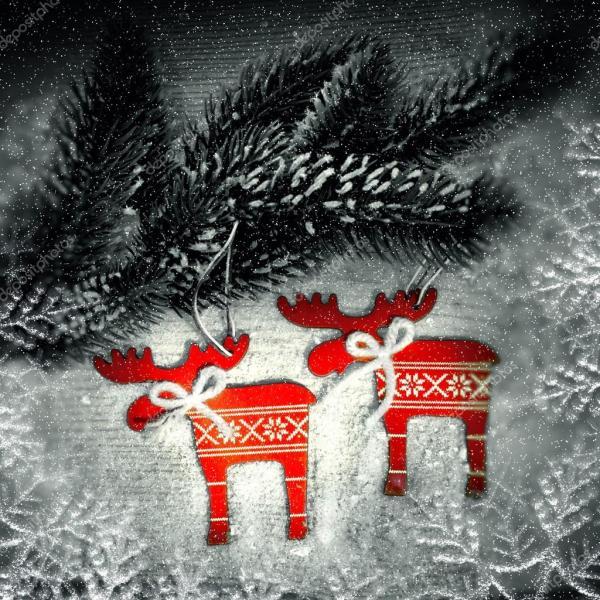 Рождество оленей на ветви елки — Стоковое фото ...